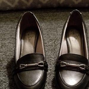 Life Stride black heels